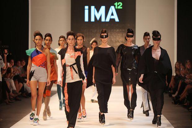 İstanbul moda haftasında genç tasarımcılar...