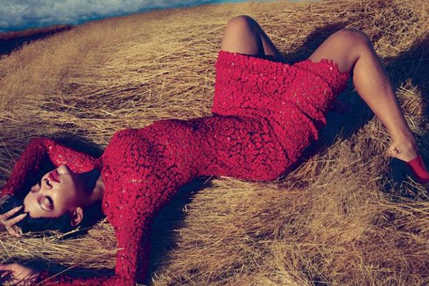 Kışkırtıcı stiliyle Rihanna...