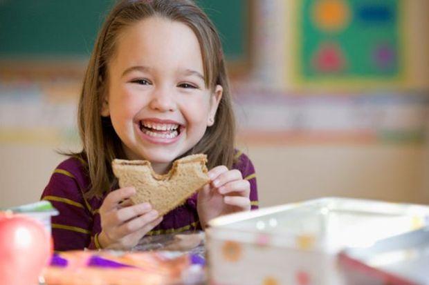 Poğaça, kek gibi hacmi küçük; kalorisi büyük gıdaları beslenme çantasından uzak tutun!