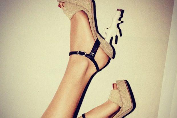 Ünlülerin şaşırtan ayakkabı modelleri…