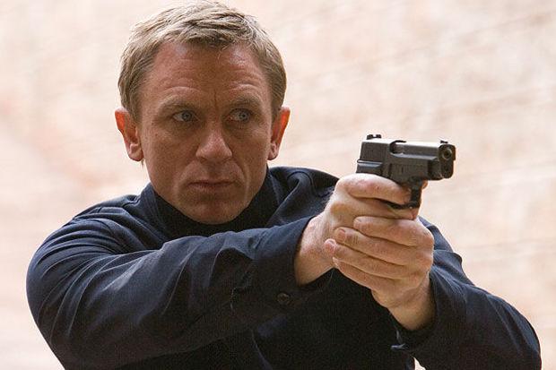 James Bond değil yalan rüzgârı çıktı!