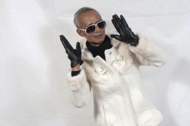 72 yaşında model oldu!