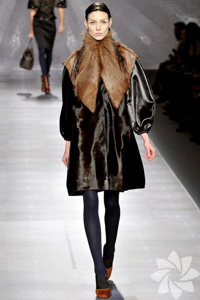 <p>Fendi 2012 Kış defilesinden kareler...</p>