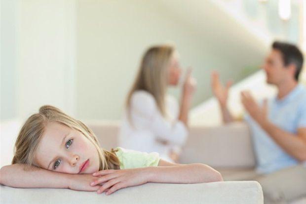 Çocukların önünde tartışmanızı engelleyecek 4 yol!