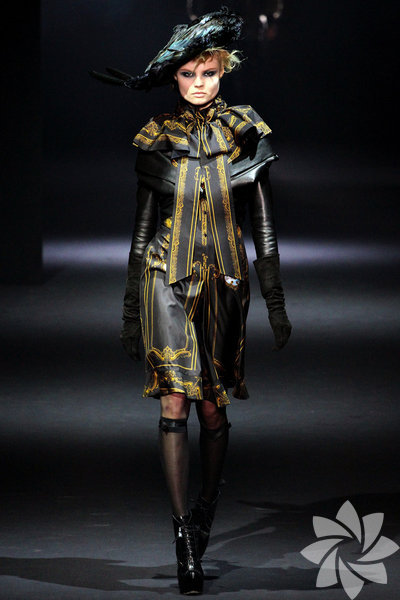 <p>John Galliano 2012 Kış defilesi</p>