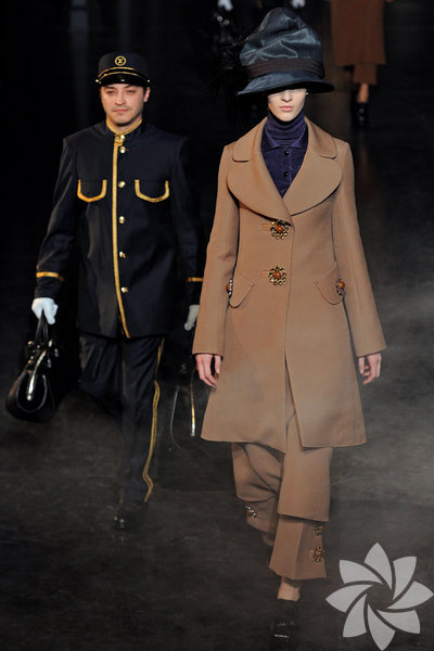 <p>Louis Vuitton 2012 Kış Defilesi</p>