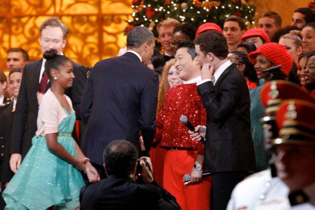 PSY yardım konserinde Obama ile tanıştı!