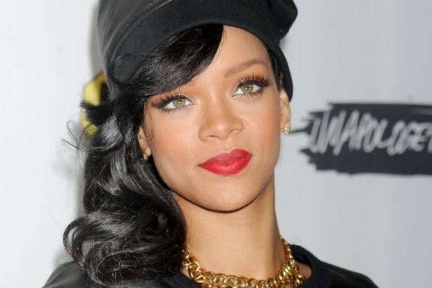 Rihanna'nın yedi odalı yeni yuvası!
