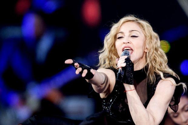 "Madonna: ""'Sigara içmeyin konseri bırakırım!"""
