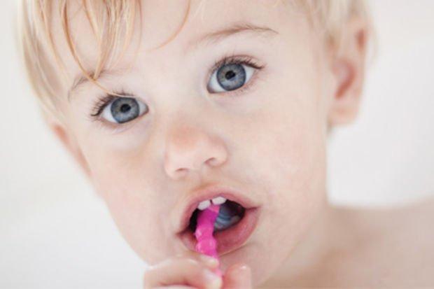 Süt dişlerini çürümeye karşı koruyun!