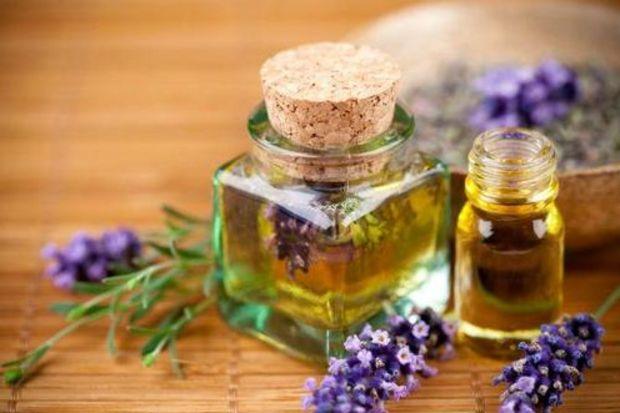 Şifa Avcın: Astrolog, Yazar, Herbalist Bitkisel Parfüm üreticisi  Yarın Bitkisel kozmetik ürünlerim Doktor Fazıl, Türk Okulunda Sergileneecktir