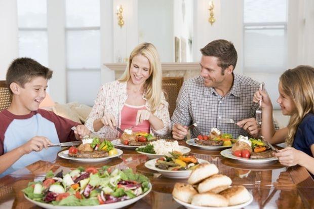 Ailece sofraya oturmanın 7 önemi!