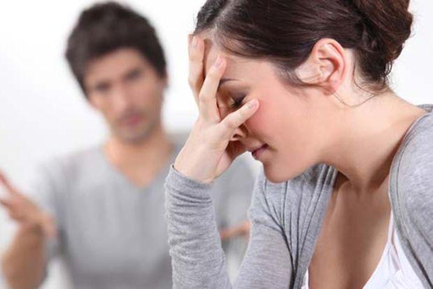 Eski eşinizden bağlarınızı koparmanın 10 yolu!