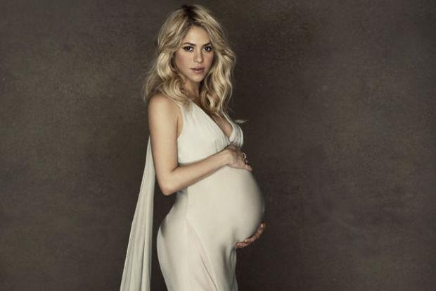 Shakira UNICEF için poz verdi!