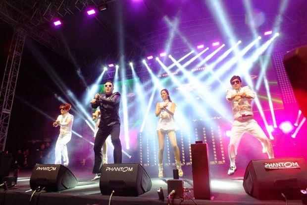 Gangnam Style'la İstanbul'u salladı!