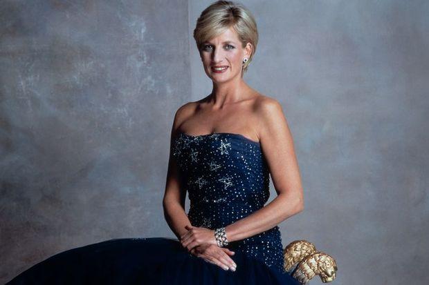 Diana'nın elbiseleri satılıyor!