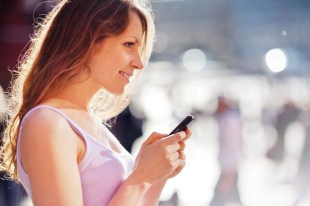 Cepten fazla mesajlaşma el sağlığına zarar!