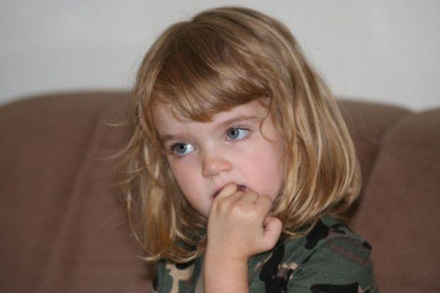 Çocuğunuz tırnak mı yiyor? Nedenleri ve durdurmak için yapılabilecekler!