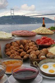 İstanbul için kahvaltı vakti...
