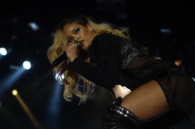 Rihanna, şu anda, burada, şimdi!