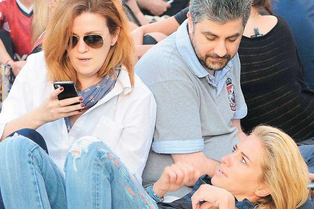 Burcu Esmersoy Gezi Parkı'nda sabahladı!