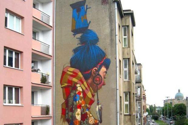 Kadıköy'de tuval duvarlar!