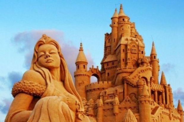 Kumdan heykeller