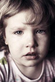 Tacize uğramış erkek çocuk agresif, kız çocuk depresif olur!