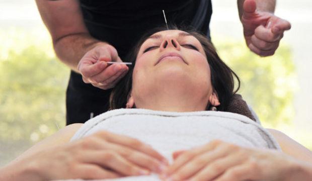 Hamilelikte mide bulantısı için akupunktur