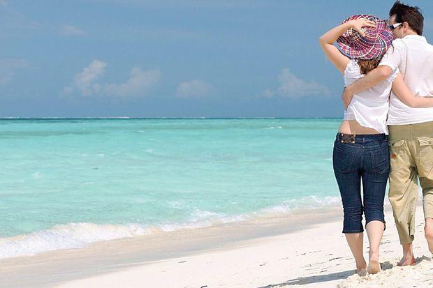 Ayak kaslarınızı kum üzerinde yürüyerek güçlendirin!