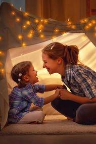 Aşırı korumak çocuğa zarar verir!