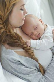 Yeni doğum yapmış bir anneye bunları asla söylemeyin!