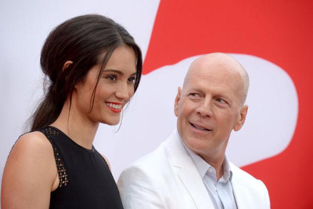 Bruce Willis: Karımın izniyle öpüşüyorum!