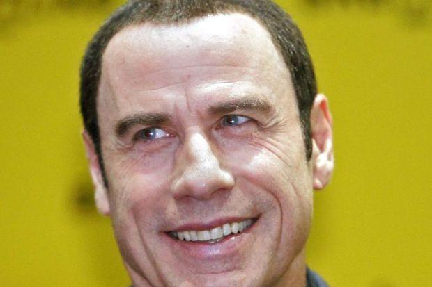 Travolta'nın klasik aşkı!
