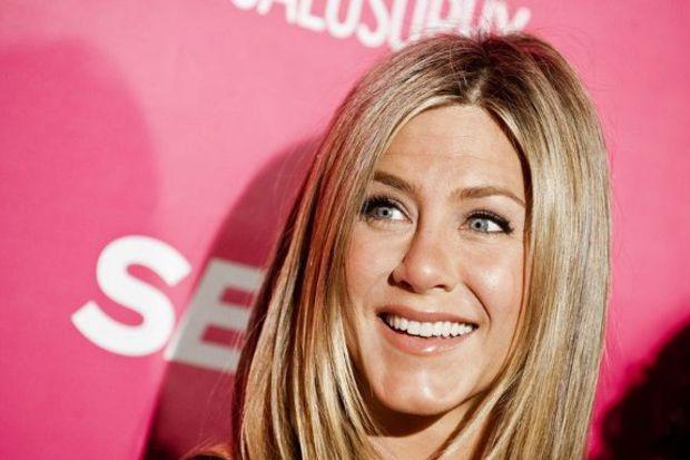 Jennifer Aniston makyajsız da güzel