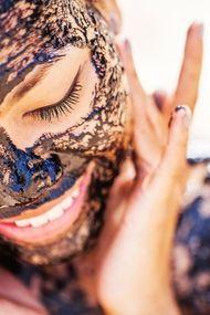 Türk kahvesi ve zeytinyağı ile yüz maskesi…