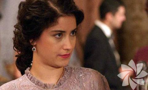 Genç ve güzel oyuncu Hazal Kaya...