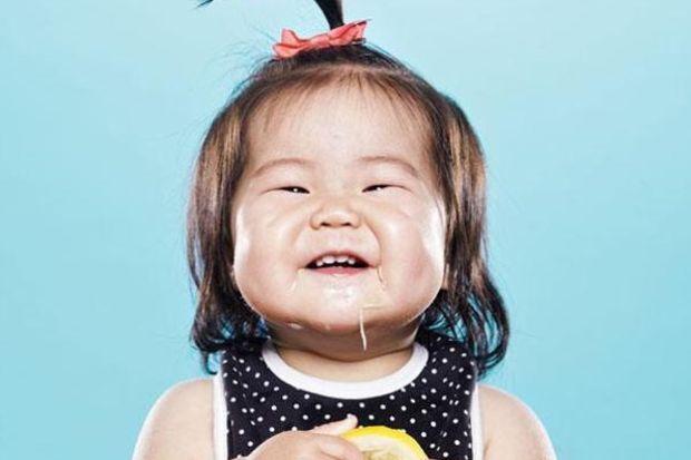 Bebeklerin limonla tanışma anı...