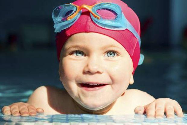 Yüzme bilmeyen çocuklar bağırsak enfeksiyonuna daha sık yakalanıyor!