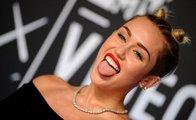 Miley Cyrus: Sok dilini içeri!