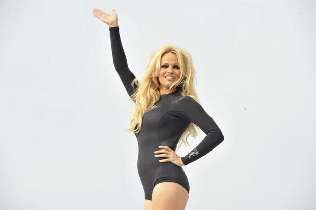 Pamela Anderson maratonda koşacak!