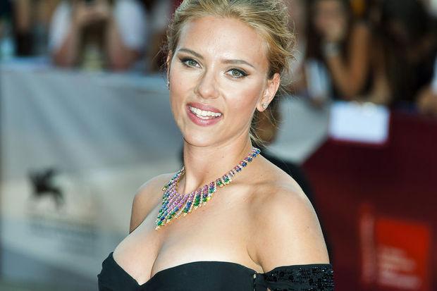 Scarlett siyasete giriyor…