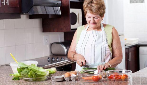 Yaşlılar için beslenme önerileri