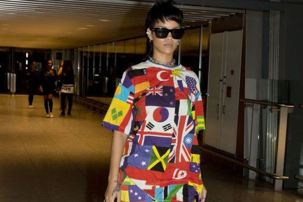 Bayraklı Rihanna!