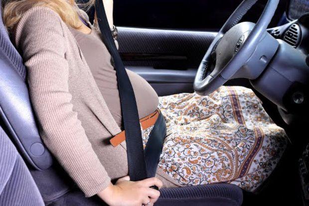 Hamile kadınlar emniyet kemeri takmalı mı?