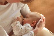 Emziren annelerde kanser riski düşüyor!