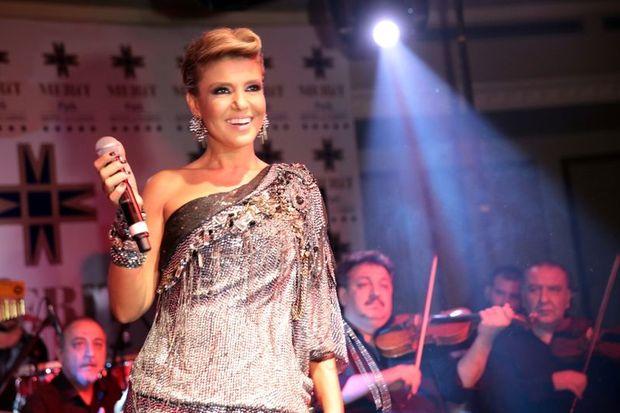 Bayramın birinci günü kıbrıs'ta merit park hotel'de sahneye