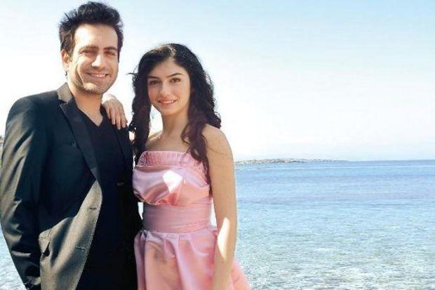 Buğra Gülsoy, Kıbrıslı meslektaşlarına İstanbul'da dizi ayarlıyor.