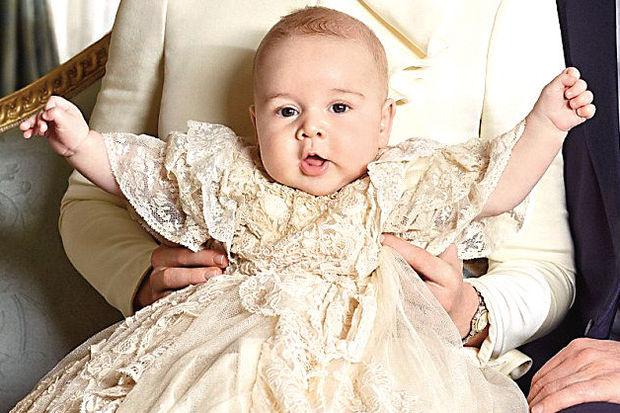 Prens George'a teyzesinden hediye