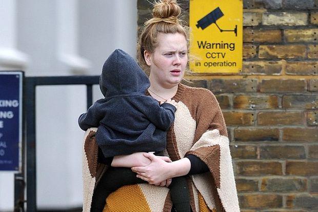 Halktan biri Adele